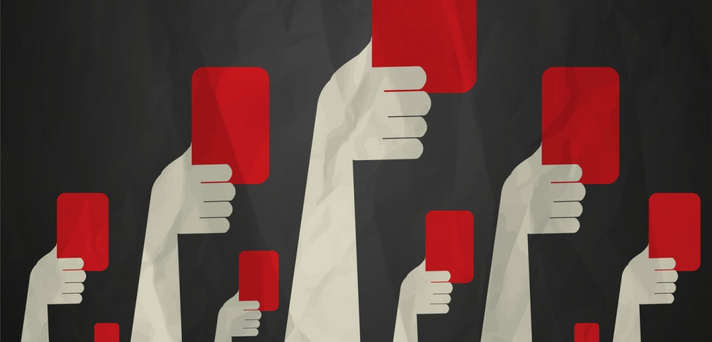 Journalisme de marque, comment éviter le carton rouge par Okédito